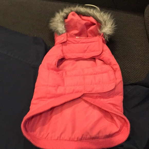 Dog coat pink with faux fur trim